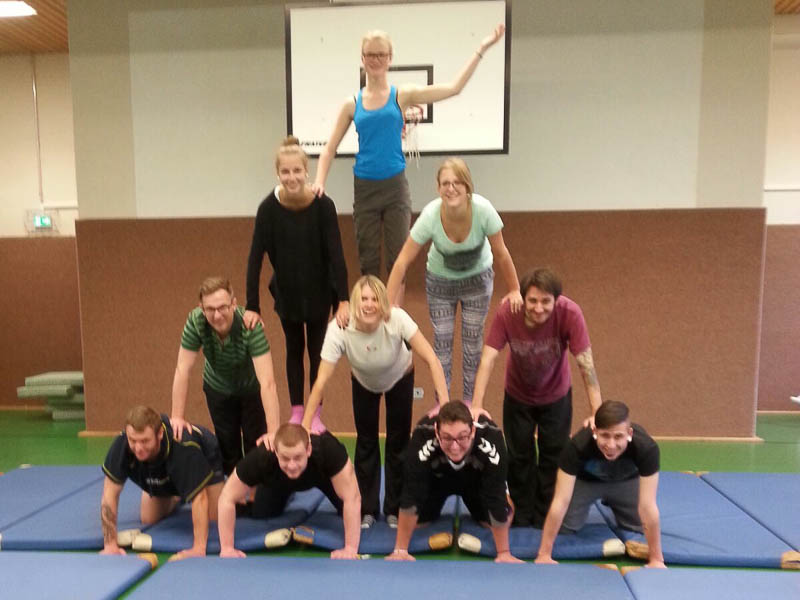 Clownerie Akrobatik-IMG-20150924-WA0014